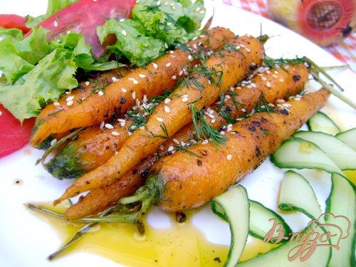 фото рецепта: Молодая морковь, обжаренная в оливковом масле со специями