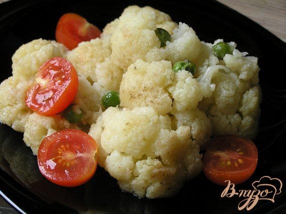 Рецепт Цветная капуста с зеленым горошком и черри