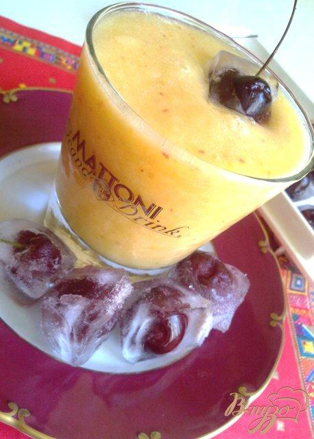 Фото приготовление рецепта: Персиково-дынный смузи шаг №4