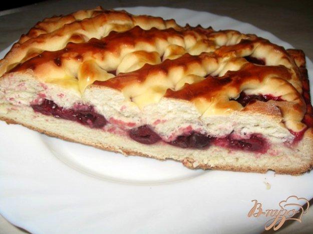 Пирог с вишней из дрожжевого теста рецепт с фото в мультиварке