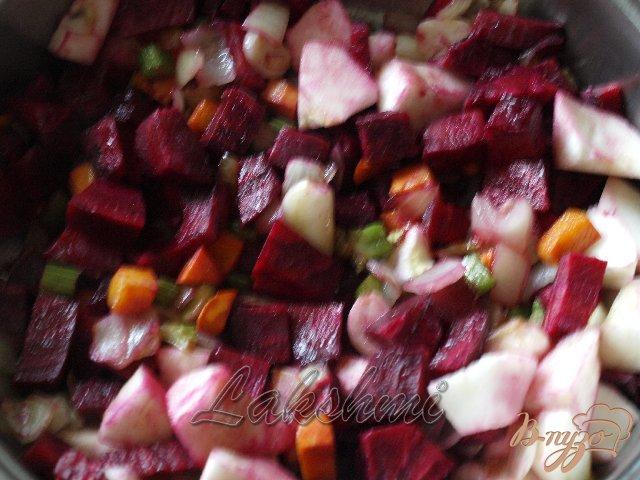 Фото приготовление рецепта: Крем-борщ из яблок и свеклы шаг №3