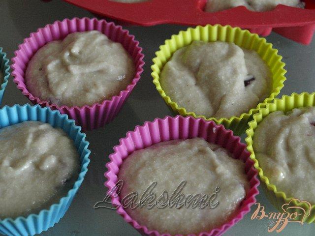 Фото приготовление рецепта: Манные кексы с сабайоном шаг №3