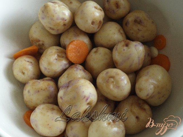 Фото приготовление рецепта: Курица с молодым картофелем и цветной капустой запечённые в рукаве шаг №1