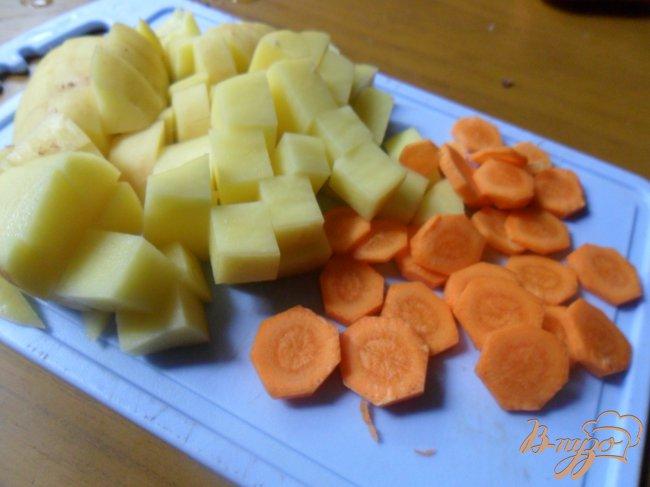 Фото приготовление рецепта: Летний суп с фрикадельками шаг №2