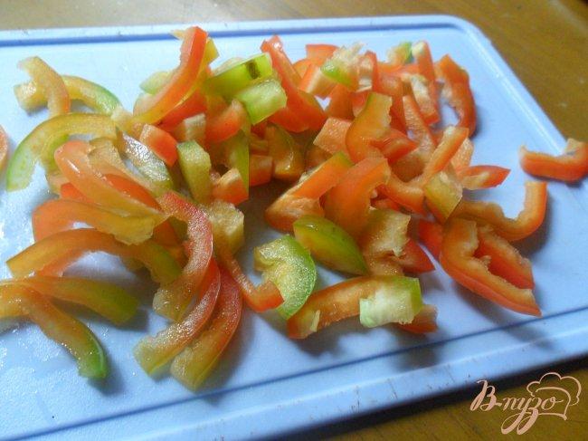 Фото приготовление рецепта: Летний суп с фрикадельками шаг №3