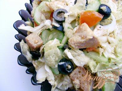 Салат «Оливковый перепел» с куриным филе и пекинской капустой