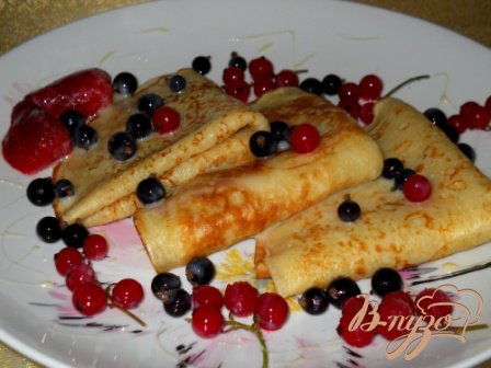 Рецепт Заварные блины с ягодами и сгущенкой