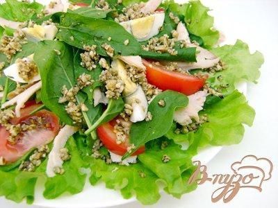Рецепт Вкуснейший салат с копчёным мясом и миндалём
