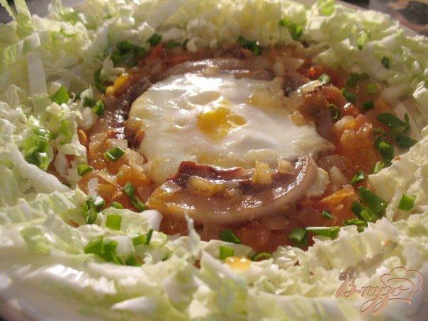 Фото приготовление рецепта: Яичница. шаг №3