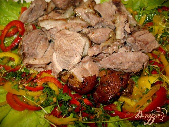 Фото приготовление рецепта: Свиная рулька.. шаг №4