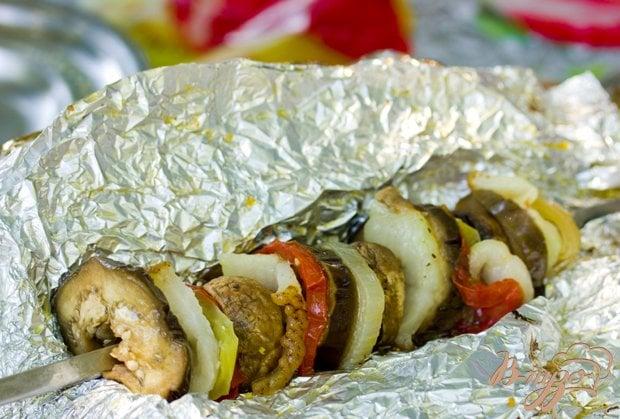 Рецепт Овощные кебабы в фольге над углями