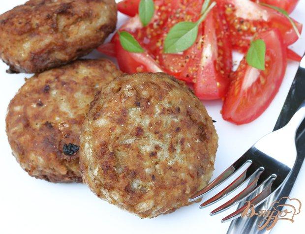 Рецепт Мясные котлеты в кукурузной панировке с капустой и рисом