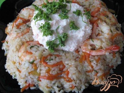 Рисовое кольцо с креветками