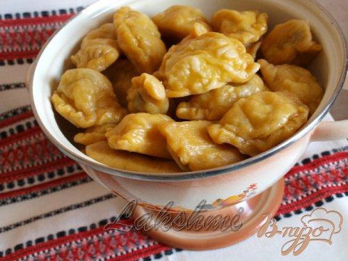 Паровые вареники из постного тыквенного теста с начинкой из грибов и картофеля.