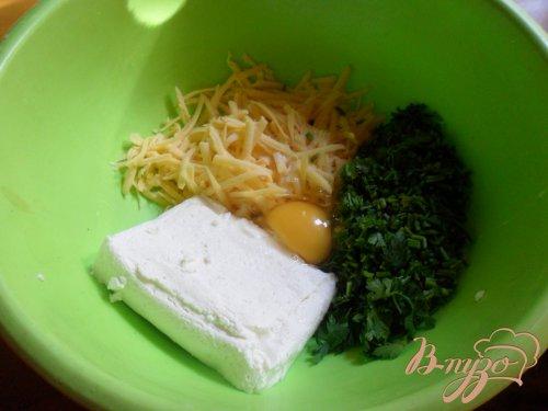 Сырные творожники с петрушкоц