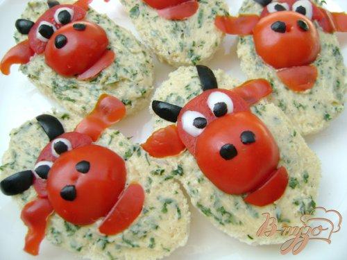 """Бутерброды """"Весёлая коровка:)))"""" с зелёным маслом!"""