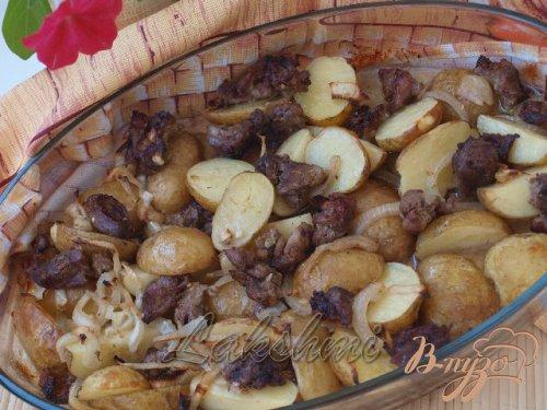 Свинина в чесночном маринаде с картофелем в духовке