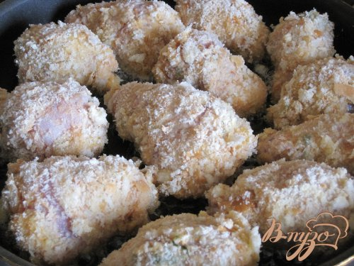 Голени куриные с начинкой.
