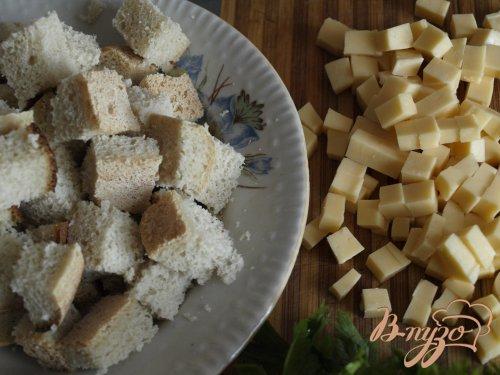 Запеканка из кабачков с сыром и белым хлебом.
