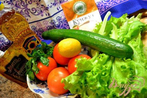 Салат с кунжутными семечками.