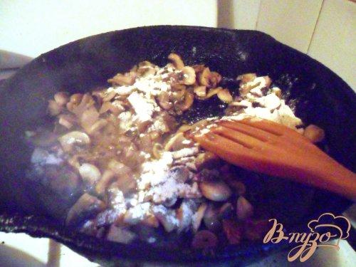 Картофельные зразы с грибами и грибным соусом