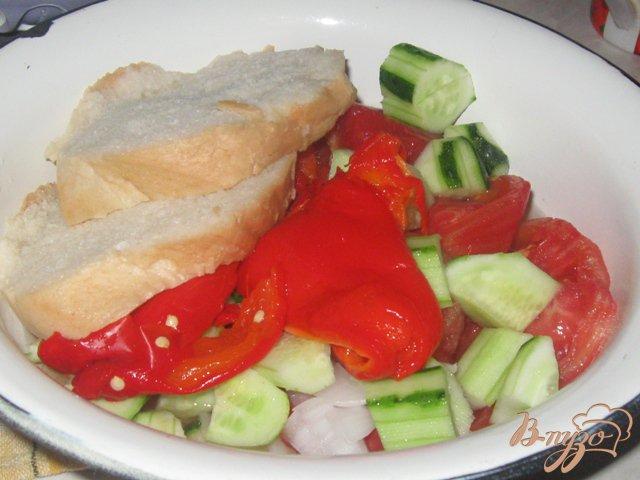 Фото приготовление рецепта: Гаспачо с огурцами и сладким перцем шаг №4