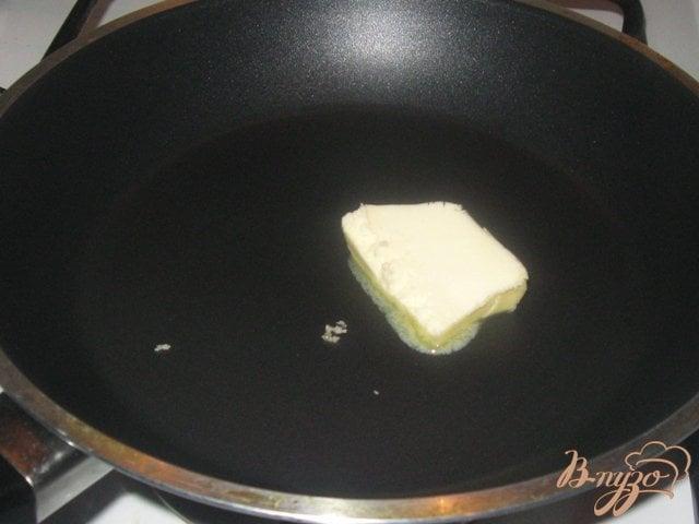 Фото приготовление рецепта: Куриное филе в молочно-сырном соусе шаг №4