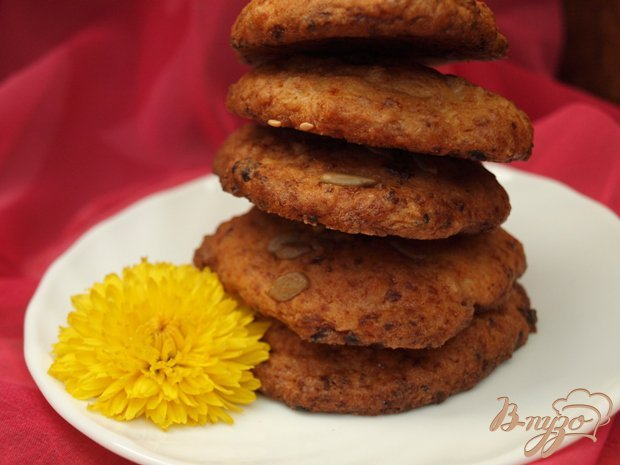 Фото приготовление рецепта: Творожное печенье с семечками шаг №4