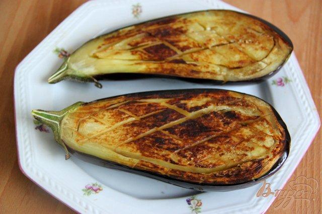 Фото приготовление рецепта: Баклажаны с курино-ореховой  начинкой шаг №5