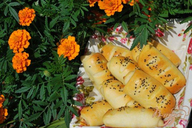 Рецепт Трубочки с сыром и копчёными колбасками.