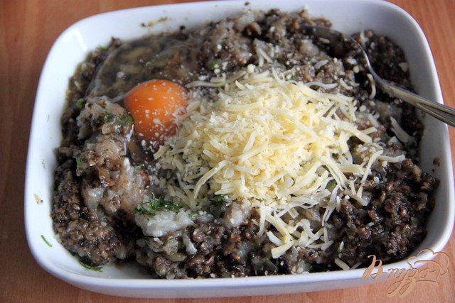 Фото приготовление рецепта: Оладушки с грибами и курицей шаг №4