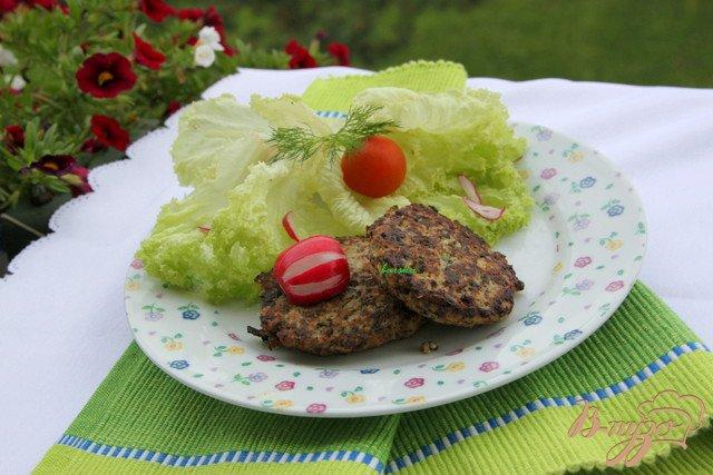 Фото приготовление рецепта: Оладушки с грибами и курицей шаг №5