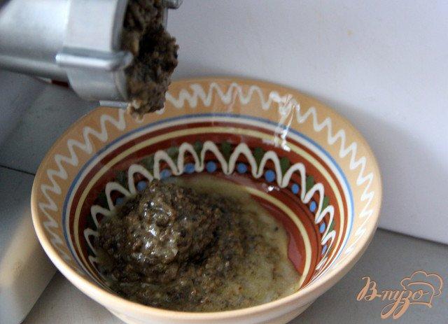 Фото приготовление рецепта: Оладушки с грибами и курицей шаг №2