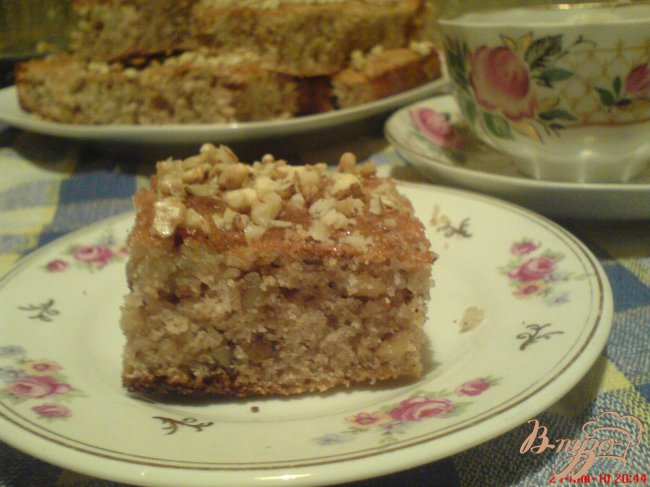 Фото приготовление рецепта: Манник с сиропом и грецкими орехами шаг №8