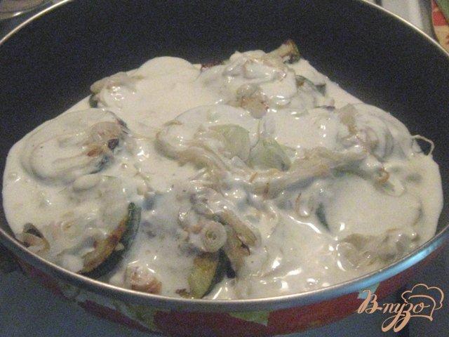 Фото приготовление рецепта: Кабачки в сметане шаг №5
