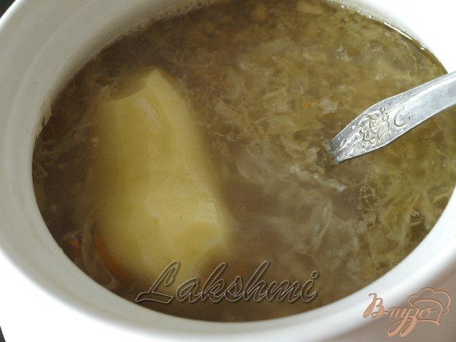 Фото приготовление рецепта: Деревенские щи с квашеной капустой шаг №2
