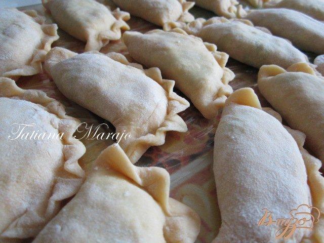 Фото приготовление рецепта: Шoсоны с малосольной брынзой и шпинатом шаг №4