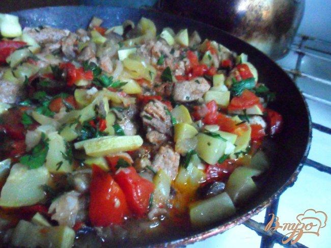 Фото приготовление рецепта: Овощное рагу со свининой шаг №7