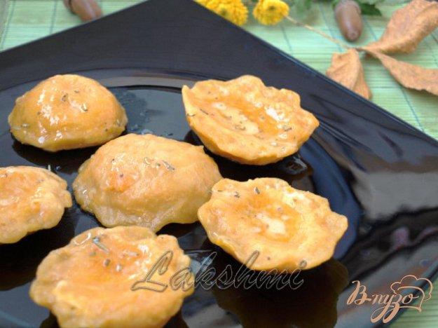 фото рецепта: Куоричини из тыквы с сырной начинкой
