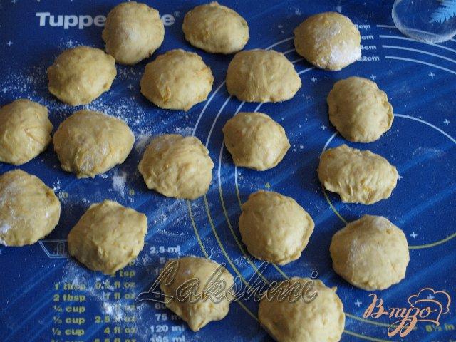 Фото приготовление рецепта: Куоричини из тыквы с сырной начинкой шаг №3