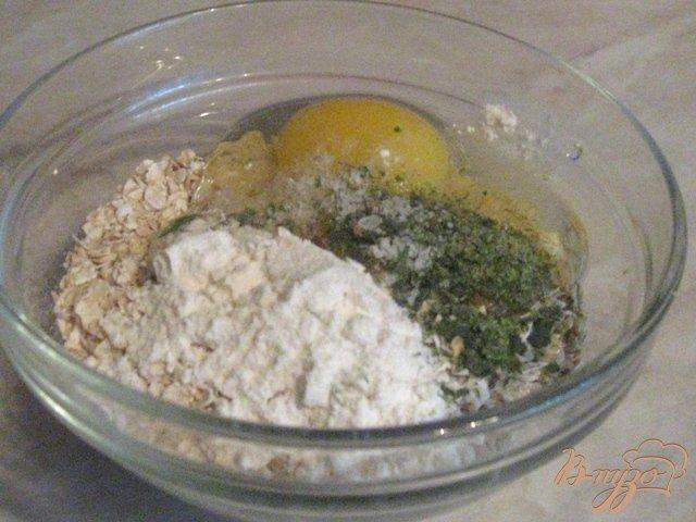 Фото приготовление рецепта: Легкий суп с овсяными клецками шаг №3