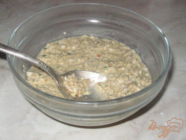 Фото приготовление рецепта: Легкий суп с овсяными клецками шаг №4