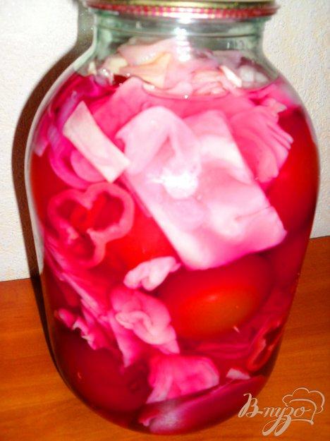 фото рецепта: Маринованные помидоры с капустой