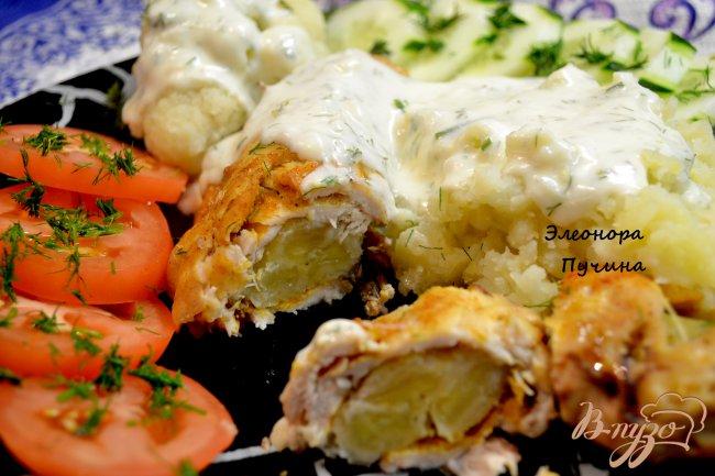 Фото приготовление рецепта: Куриный рулет с бананом. шаг №7