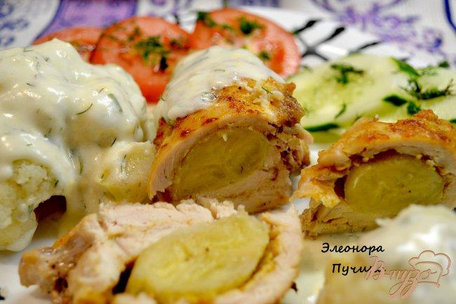 Фото приготовление рецепта: Куриный рулет с бананом. шаг №8