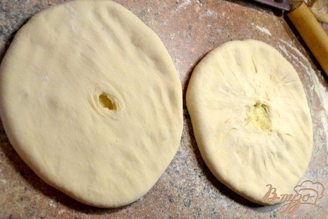 Фото приготовление рецепта: Осетинские пироги «Картофджын» – пирог с картошкой шаг №3