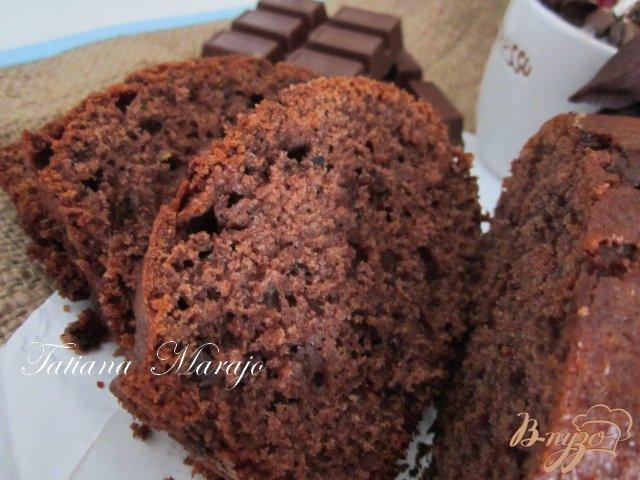 Фото приготовление рецепта: Шоколадный кекс на оливковом масле шаг №7