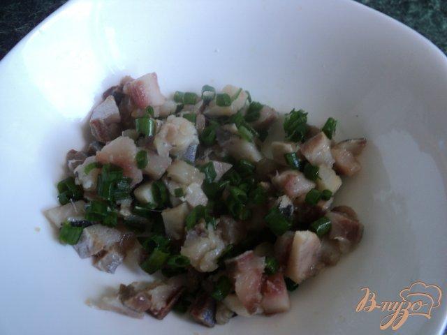 Фото приготовление рецепта: Закуска с сельдью «Клубничка» шаг №2