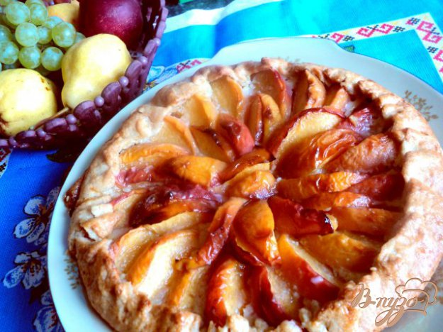Рецепт Кростата с персиками и миндалем