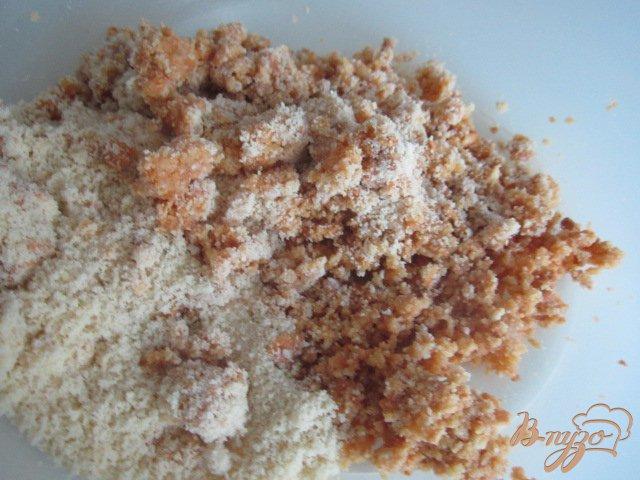 Фото приготовление рецепта: Творожники с персиками.. шаг №5